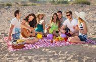На итальянских пляжах запретили пластиковую посуду