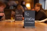 В кафе и барах Люксембурга запретили курить