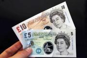 В Великобритании вводят пластиковые деньги