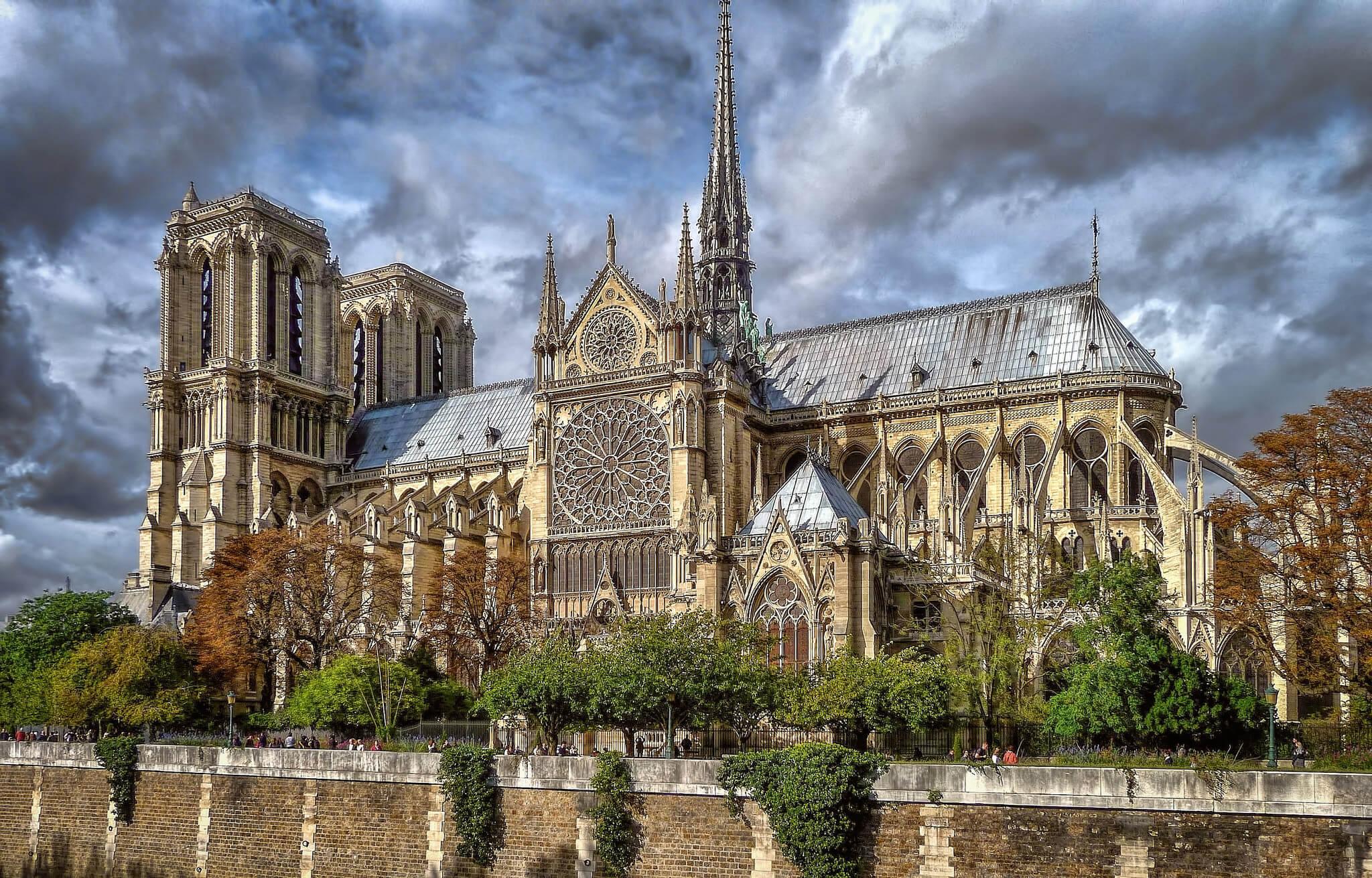 Собор в Париже